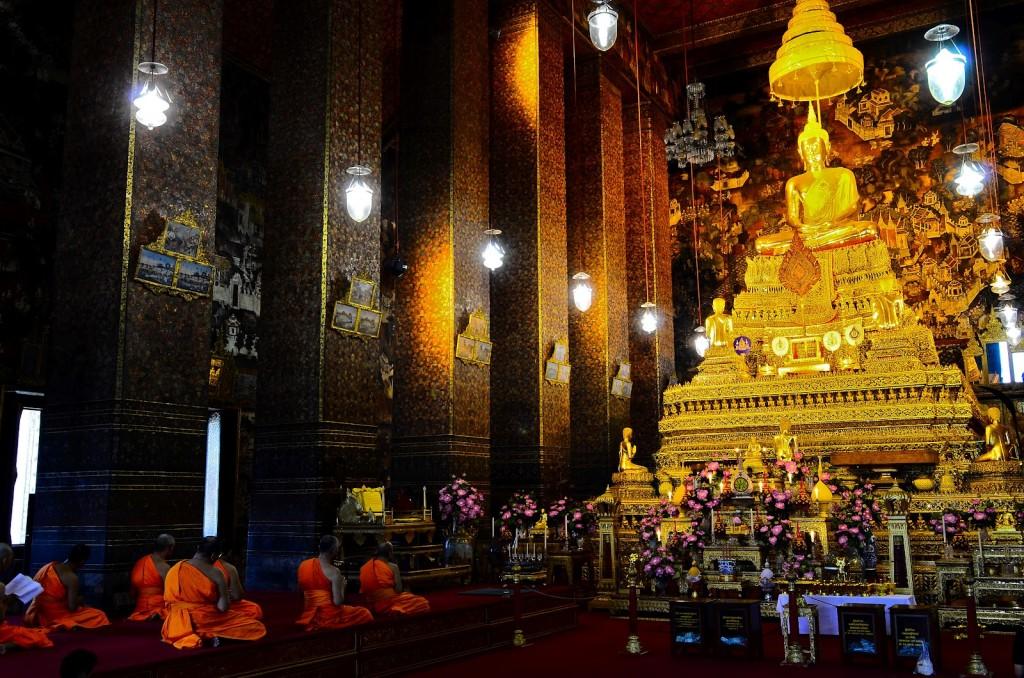 Bouddha sous lequel reposent les cendres du roi