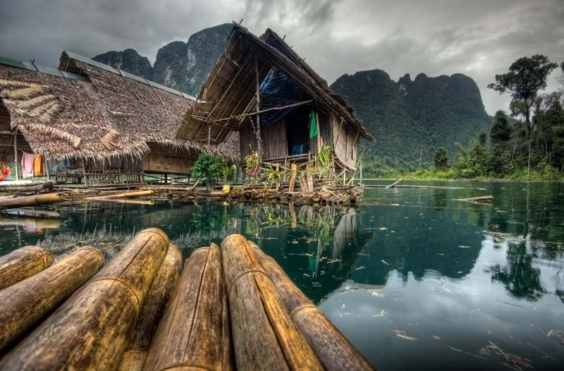 Maisons flottantes pendant la mousson - Lac Chao Lan - Parc National Khao Sok