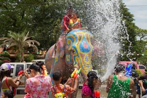 640px-Songkran_8_-_Ayutthaya