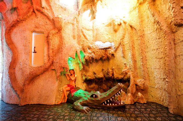"""Chambre """"Grotte des Crocodiles"""" - Cr : banphasawan"""