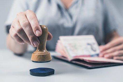Covid-19 : le service d'immigration thaïlandais prévoit une prolongation de visas