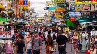 """Thaïlande: """"Pas de mesure immédiate"""" pour permettre plus d'étrangers à entrer au pays"""
