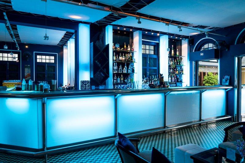 Bar à Phuket, un travail en Thaïlande