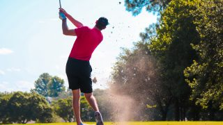 Thaïlande : les touristes peuvent jouer au golf durant leur quarantaine